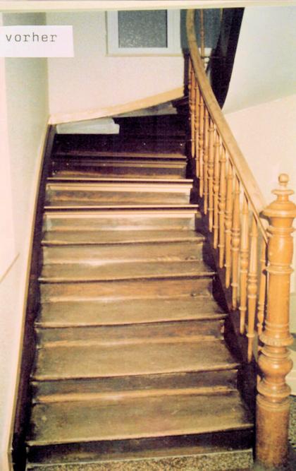 Alte ausgetretene Treppenstufen